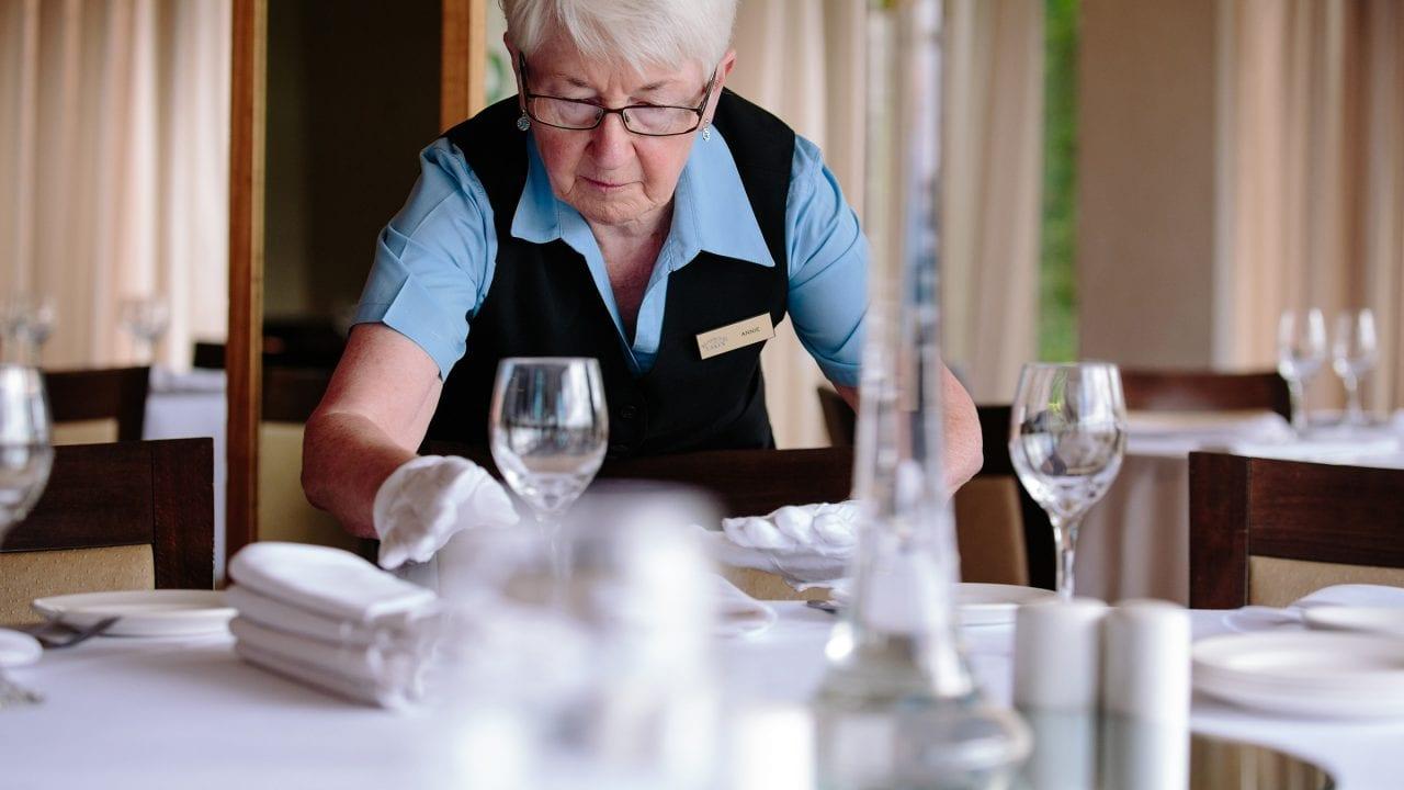 Waitress Bearwood Lakes